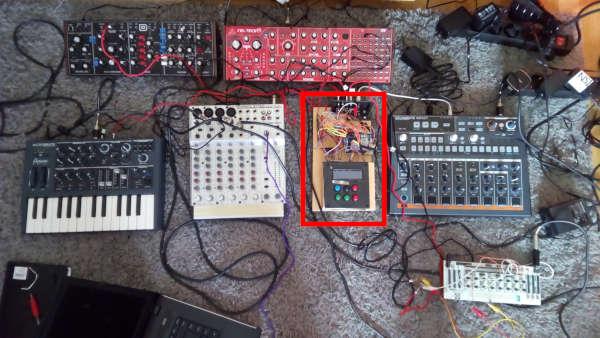 OscDigiSeq setup with 5 synthesizers.